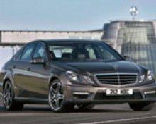 Limousine Service : Mercedes E třídy – pro 3 pasažéry