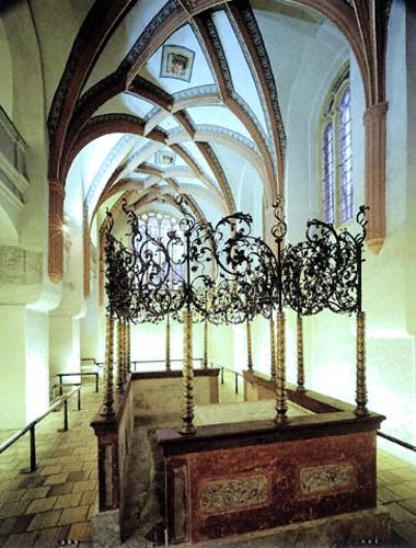 Spanish synagogue - interier